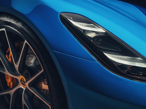 Mit dem gemeinsamen Erstausrüstungsprojekt beleben Lotus und Goodyear eine als lang und erfolgreich beschriebene Partnerschaft zwischen wiederbelebt, hat der Reifenhersteller nach eigenen Angaben doch schon in den 1970er- bis 1990er Reifen für viele Lotus-Fahrzeuge ans Band geliefert (Bild: Goodyear)