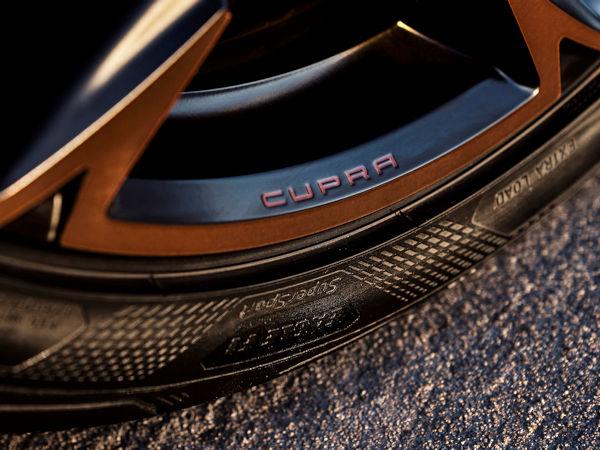 """Die Seat- und damit Volkswagen-Marke Cupra hat sich für ihr Fahrzeugmodell Formentor VZ5 für Goodyears """"Eagle F1 SuperSport"""" in der Dimension 255/35 R20 als Erstausrüstungsbereifung entschieden (Bild: Goodyear)"""