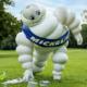 """Sechs Teams bestehend aus Topmanagern genauso wie Industrie- und Vertriebsmitarbeitern des Konzerns inklusive seines Maskottchens """"Bibendum"""" werden während der IAA in München unterwegs sein und die Menschen und Messebesucher vor Ort zum Recycling von Plastikmüll animieren (Bild: Michelin)"""