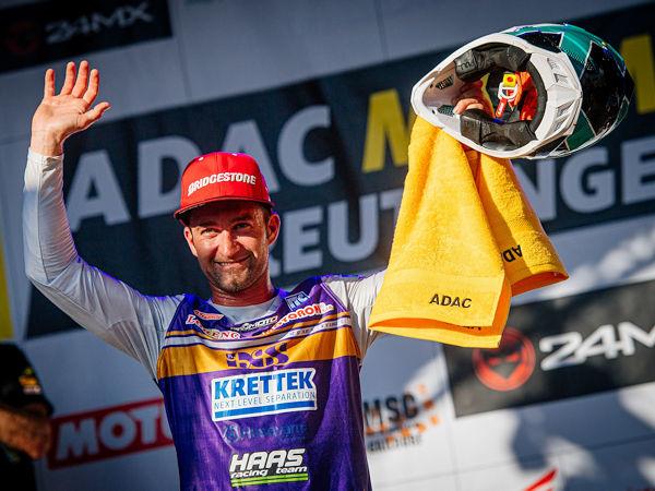 Beim ADAC-MX-Masters-Saisonfinale konnte Bridgestone-Fahrer Maximilian Nagl alle drei Läufe gewinnen, doch da er verletzungsbedingt ein Rennwochenende aussetzen musste, reichte es mit insgesamt acht Siegen bei elf Rennen, an denen er teilgenommen hat, in der Gesamtwertung für Platz drei (Bild: Bridgestone)